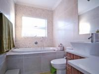 Bathroom 3+ - 5 square meters of property in Silver Lakes Golf Estate