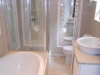 Bathroom 2 - 5 square meters of property in Southbroom