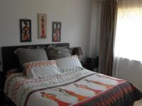 Main Bedroom - 18 square meters of property in Crystal Park