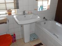 Main Bathroom - 4 square meters of property in Crystal Park