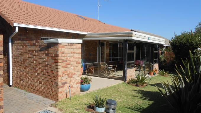 2 Bedroom Retirement Home For Sale in Centurion Central (Verwoerdburg Stad) - Private Sale - MR129263