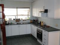 Kitchen - 28 square meters of property in Brackenfell