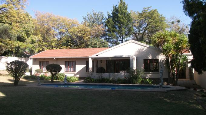3 Bedroom House for Sale For Sale in Douglasdale - Private Sale - MR129303