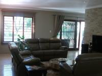 Lounges - 37 square meters of property in Douglasdale