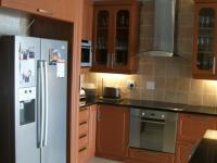 Kitchen - 17 square meters of property in Douglasdale
