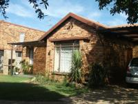 3 Bedroom 2 Bathroom House for Sale for sale in Olivedale