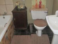 Bathroom 1 - 5 square meters of property in Vaalpark