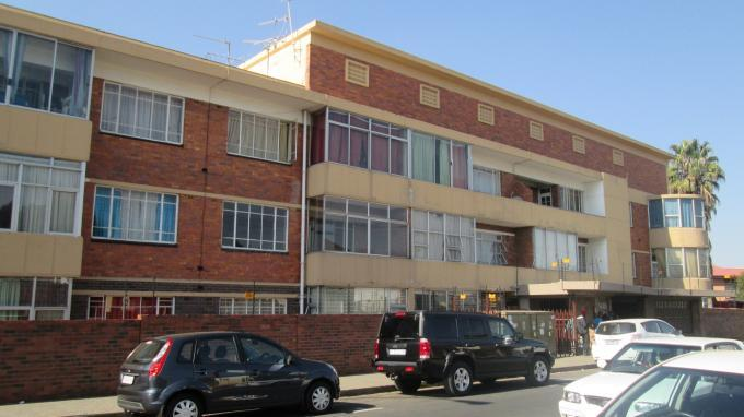 2 Bedroom Apartment for Sale For Sale in West Turffontein - Private Sale - MR129413