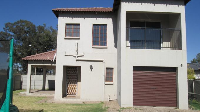 3 Bedroom House for Sale For Sale in Randfontein - Private Sale - MR129503