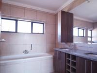 Main Bathroom - 9 square meters of property in Six Fountains Estate