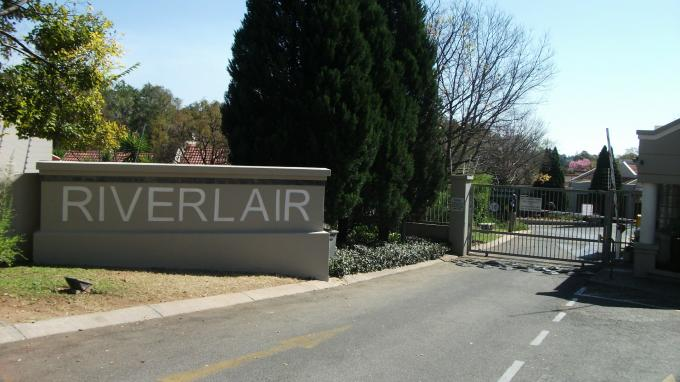 2 Bedroom Simplex for Sale For Sale in Douglasdale - Home Sell - MR129646