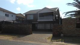 6 Bedroom 4 Bathroom in Laudium