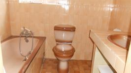 Main Bathroom - 4 square meters of property in Laudium