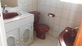 Bathroom 2 - 5 square meters of property in Laudium