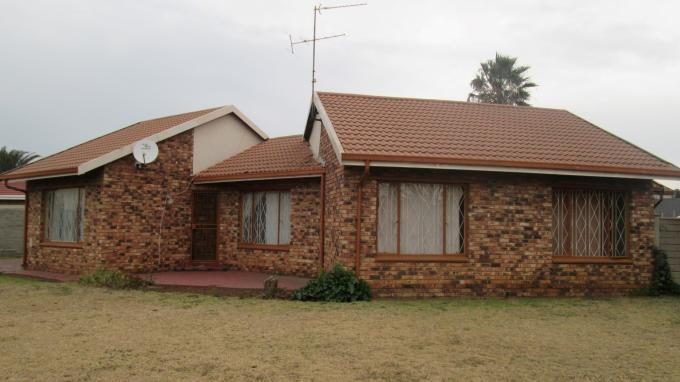 3 Bedroom House For Sale in Waldrift - Home Sell - MR129718