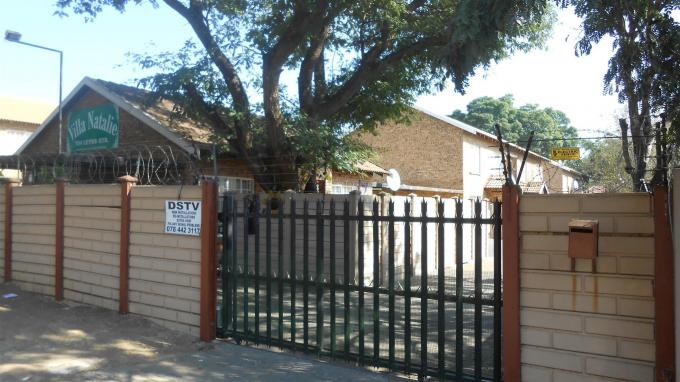 2 Bedroom Apartment For Sale in Rustenburg - Home Sell - MR129767