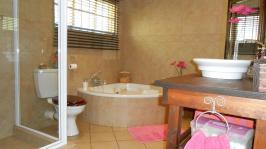 Main Bathroom - 11 square meters of property in Wonderboom