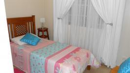 Bed Room 2 - 10 square meters of property in Wonderboom