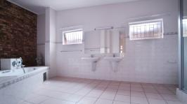 Main Bathroom - 19 square meters of property in Silver Lakes Golf Estate
