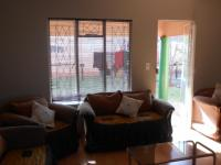 Lounges - 16 square meters of property in Benoni