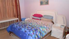 Main Bedroom - 16 square meters of property in Kwaggasrand