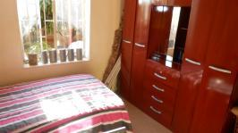 Bed Room 1 - 11 square meters of property in Kwaggasrand