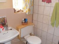 Main Bathroom - 4 square meters of property in Amanzimtoti