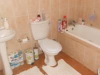 Main Bathroom - 8 square meters of property in Clubview