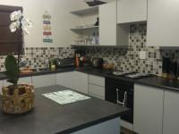 Kitchen - 12 square meters of property in Sonneveld