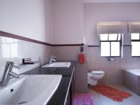 Bathroom 2 - 10 square meters of property in Cormallen Hill Estate