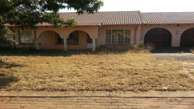 Standard Bank Repossessed 3 Bedroom House for Sale on online auction in Thabazimbi - MR129998