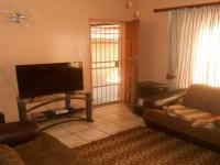 Lounges - 9 square meters of property in Emalahleni (Witbank)