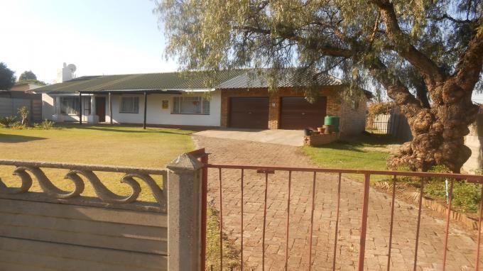 3 Bedroom House for Sale For Sale in Emalahleni (Witbank)  - Private Sale - MR130082
