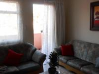 Lounges - 14 square meters of property in Alberton