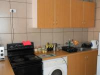 Kitchen - 10 square meters of property in Alberton