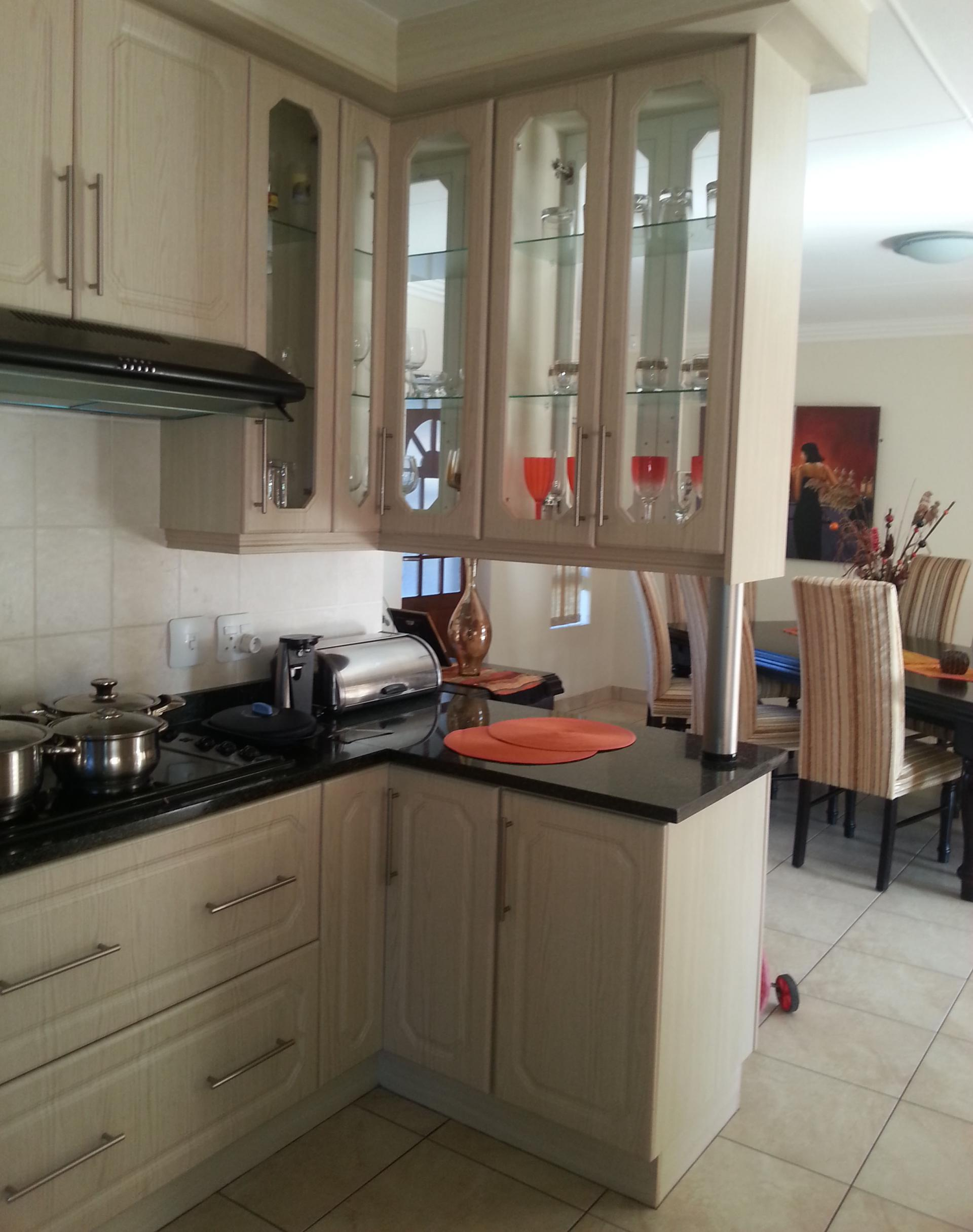 Kitchen - 25 square meters of property in Reebok