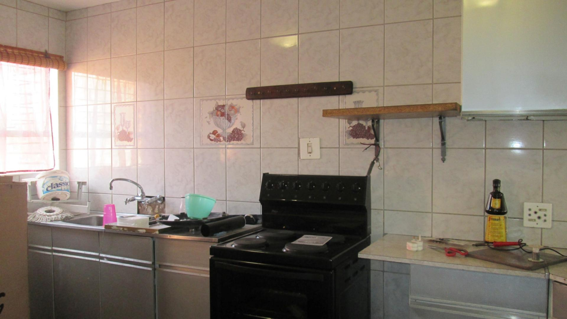 3 bedroom duplex for sale for sale in vanderbijlpark for Kitchen fitters gauteng