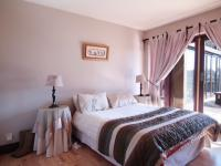 Bed Room 1 - 15 square meters of property in Silver Lakes Golf Estate