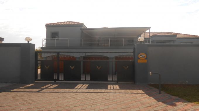 Standard Bank EasySell 10 Bedroom House for Sale For Sale in Country View - MR130357