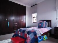 Bed Room 3 - 18 square meters of property in Silverwoods Country Estate
