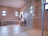 Main Bathroom - 17 square meters of property in Silverwoods Country Estate