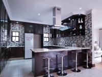 Kitchen - 18 square meters of property in Silverwoods Country Estate