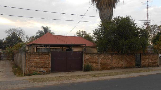 3 Bedroom House for Sale For Sale in Capital Park - Private Sale - MR130391