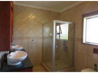 Main Bathroom - 5 square meters of property in Ifafi