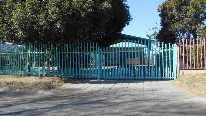 Standard Bank EasySell 4 Bedroom House For Sale in Van Dykpark - MR130456