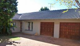 3 Bedroom 2 Bathroom in Wilropark