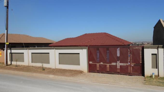 Standard Bank EasySell 3 Bedroom House For Sale in Clayville - MR130485