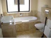 Main Bathroom - 17 square meters of property in Onrus Rivier (Onrus)