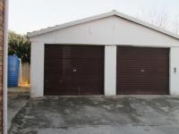 Spaces - 35 square meters of property in Brackendowns