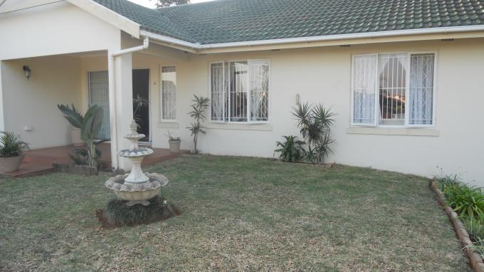 3 Bedroom Simplex For Sale in Umhlanga Rocks - Home Sell - MR130588